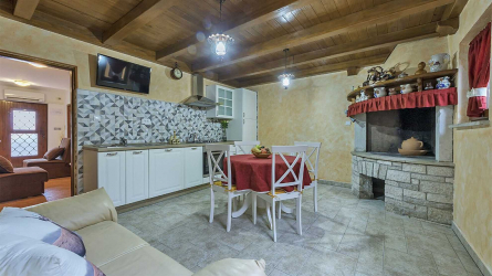 DENIS - One Bedroom Apartment