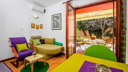 AJA - One Bedroom Apartment Near Beach
