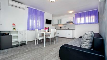 TEREZA VIOLA - One Bedroom Apartment