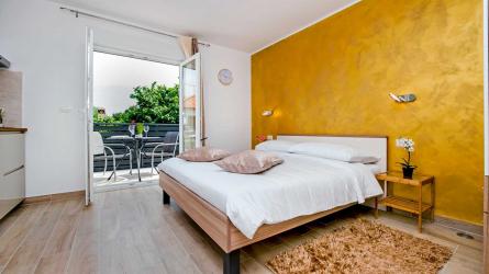 TEREZA GOLD - Studio Apartment