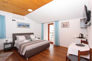 MATOSEVIC Comfort Double Room with Balcony 2