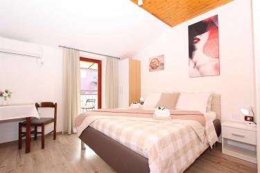 MATOSEVIC Double Room with Balcony 3