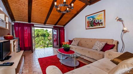 MIRELA - Three Bedroom Apartment with Sea View