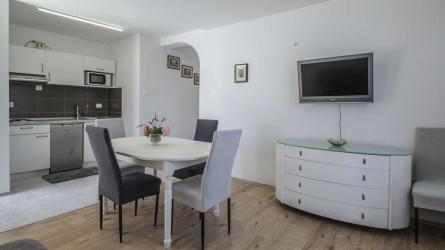 TOSCA - One Bedroom Apartment