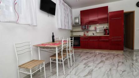 Apartment Amalia Red