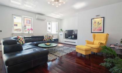 ESMA - Luxury apartment with garden
