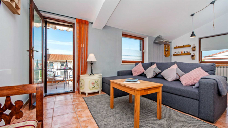 DOLORES - One Bedroom Apartment